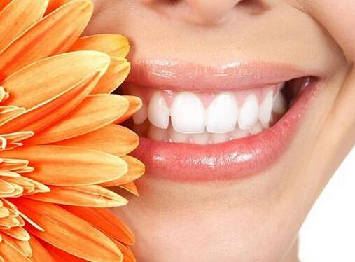 如何使牙齿快速变白